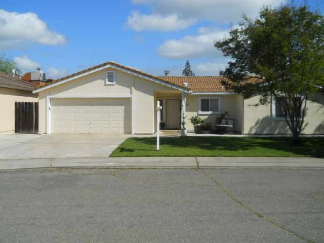 805  Grapeleaf Way<br/>Modesto, CA